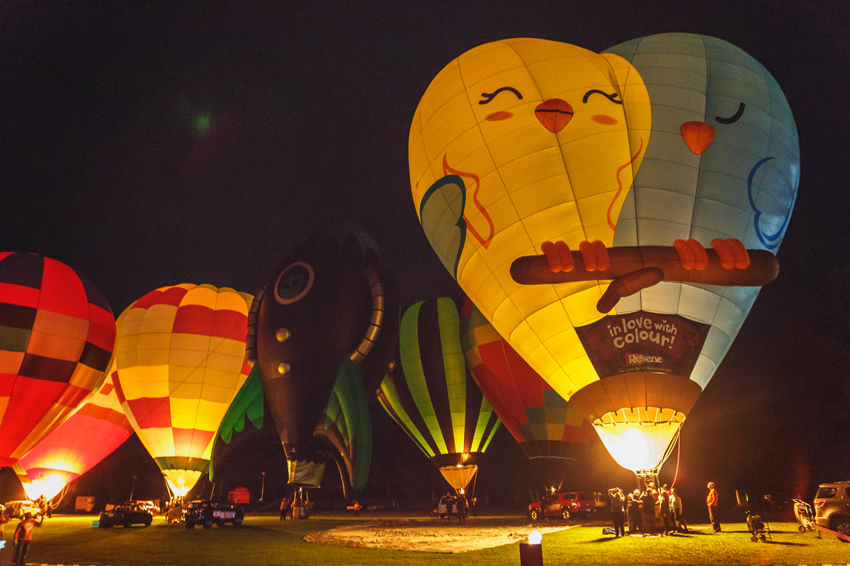 thestylejungle-New-Zealand-Hamilton-Balloons-over-Waikato-Zuru-Night-Glow