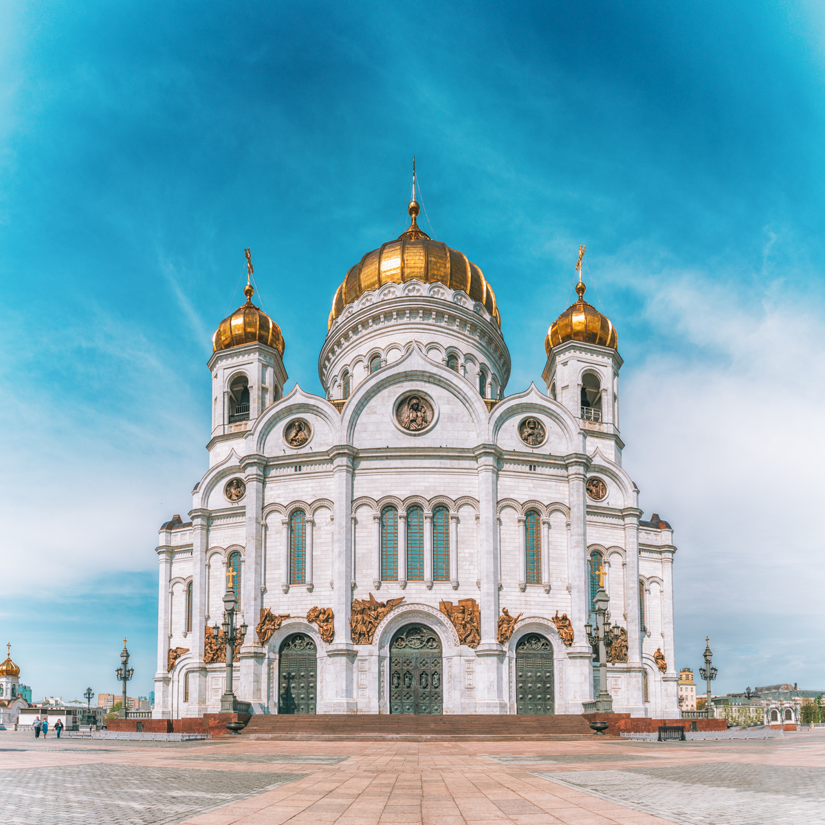 thestylejungle-Russia-Moscow-Church-of-Christ-the-Saviour-travel-blog
