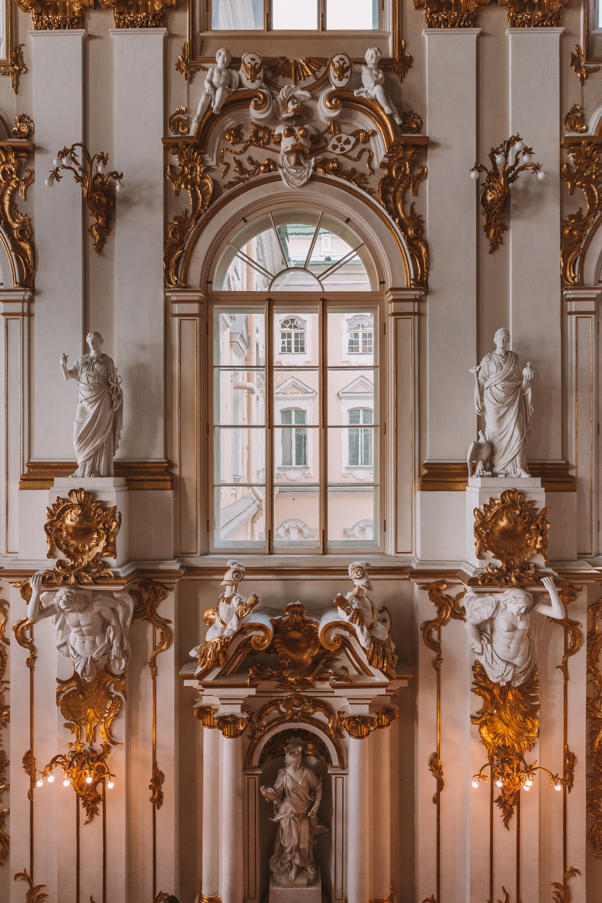 thestylejungle-Russia-Saint-Petersburg-Winter-Palace-interior-travel-blog