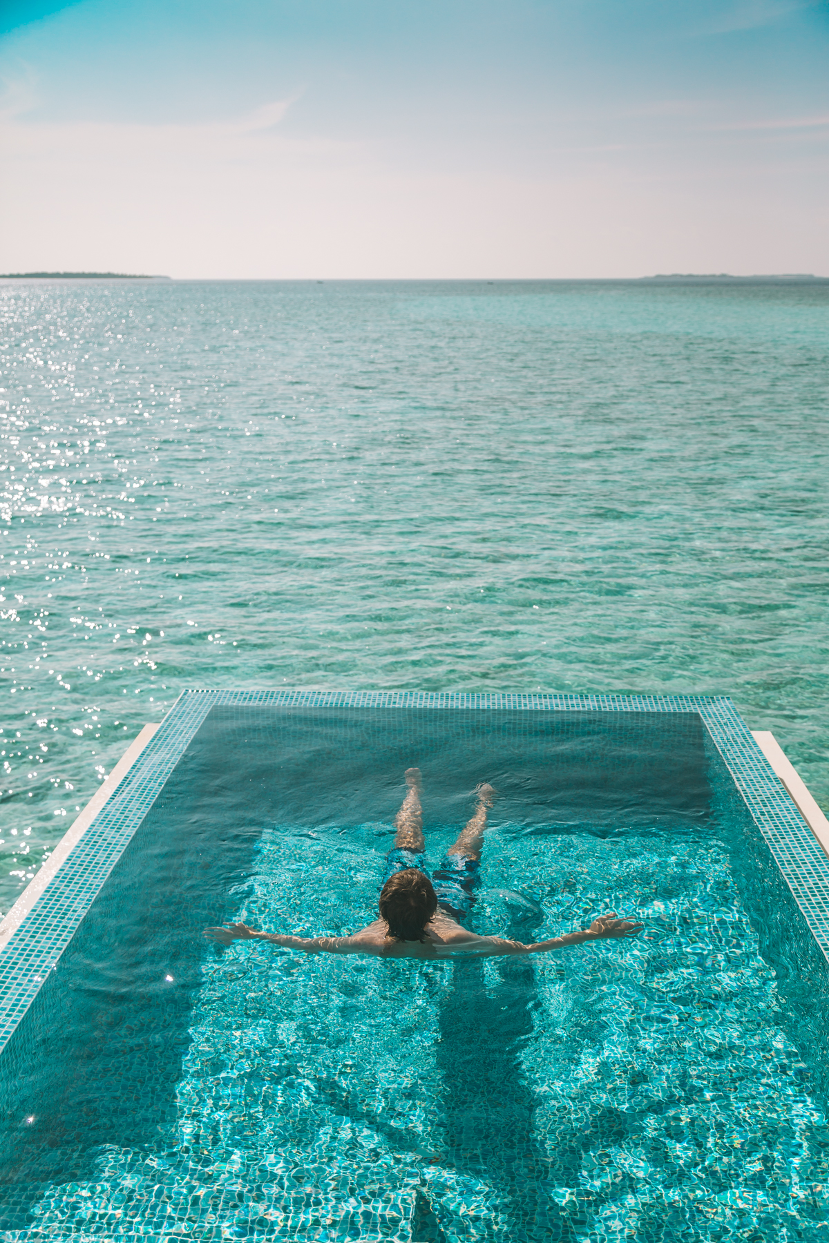 thestylejungle_Maldives_Dhigali)vacation_beach_pool_travelblog