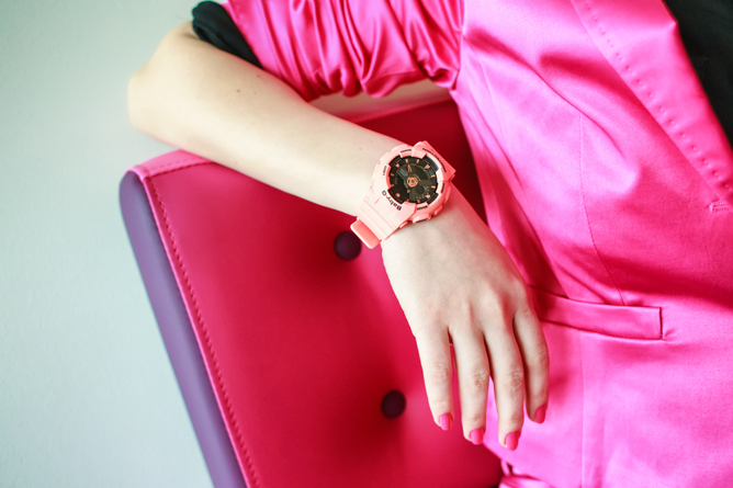 thestylejungle_riga_fashion_week_street_fashion_centro_red_pink_costume
