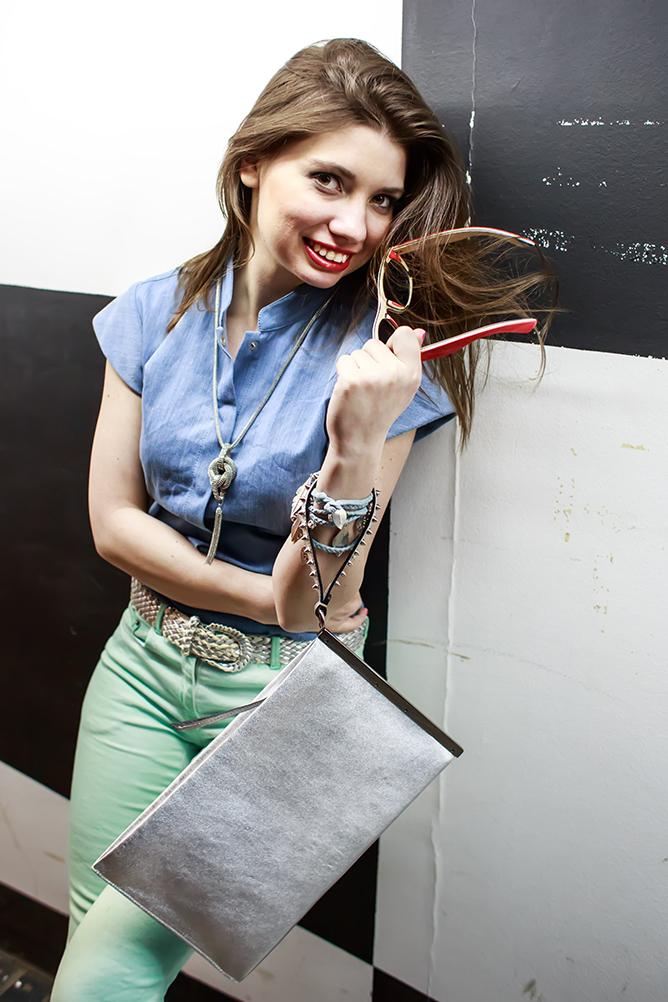 thestylejungle_ksenia_ruzanova_ootd_street_style_street_fashion_barbara_bui_blue_red_sun_glasses