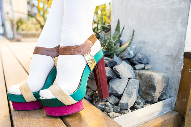 thestylejungle_streetstyle_details_legs_shoes_diane_von_furstenberg_colorblock_high_heels